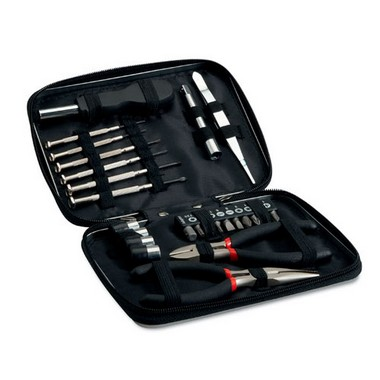 Tool set in aluminium case Paul